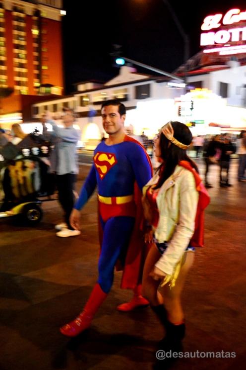 Superman & Wonderwoman