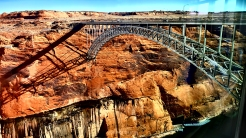 Glen Canyon Dam by @desautomatas