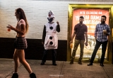 Olaf going for it - Las Vegas Halloween 2017 at Fremont Street, by Juan Cardenas @desautomatas